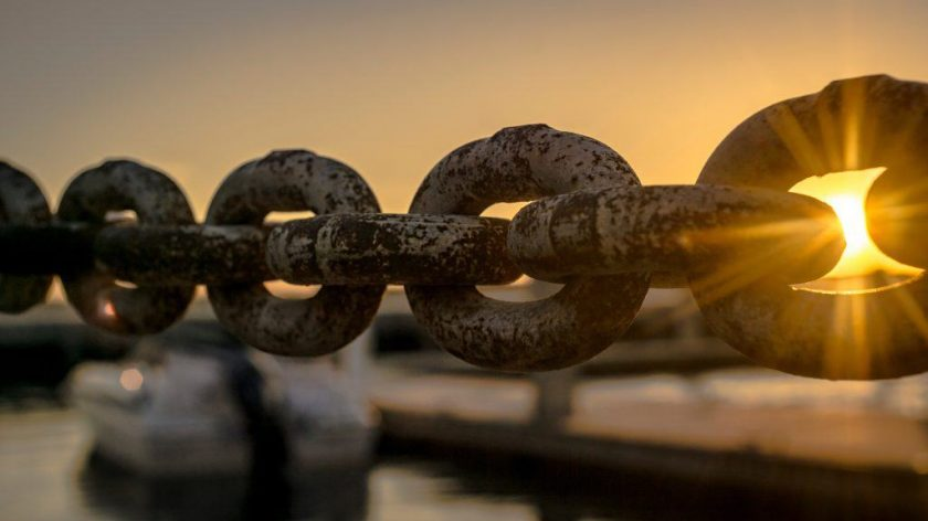 boat-chain-dawn-119562-1024x576